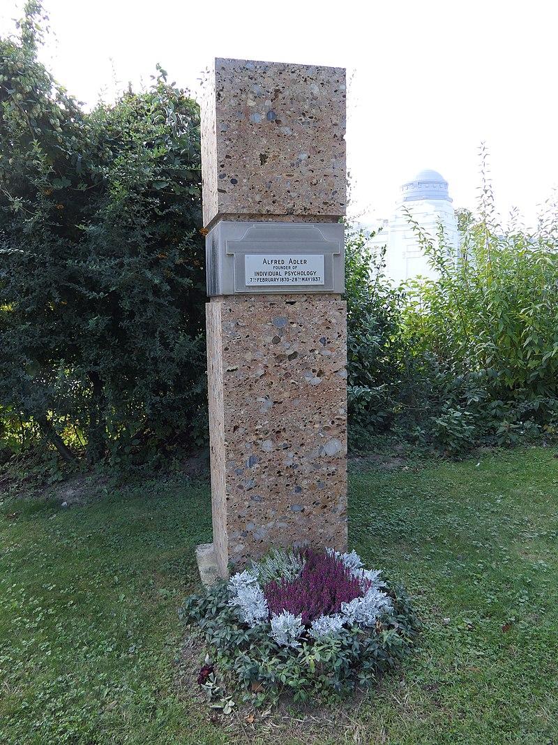 Grab von Alfred Adler auf dem Wiener Zentralfriedhof.JPG