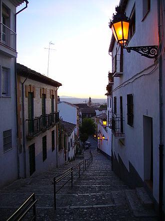 Albaicín - Sunset downhill the Albayzín.