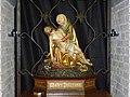 Groesbeek (NL) Bredeweg, Antonius van Paduakerk pietabeeld.JPG