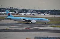 HL8005 - B77L - Korean Air