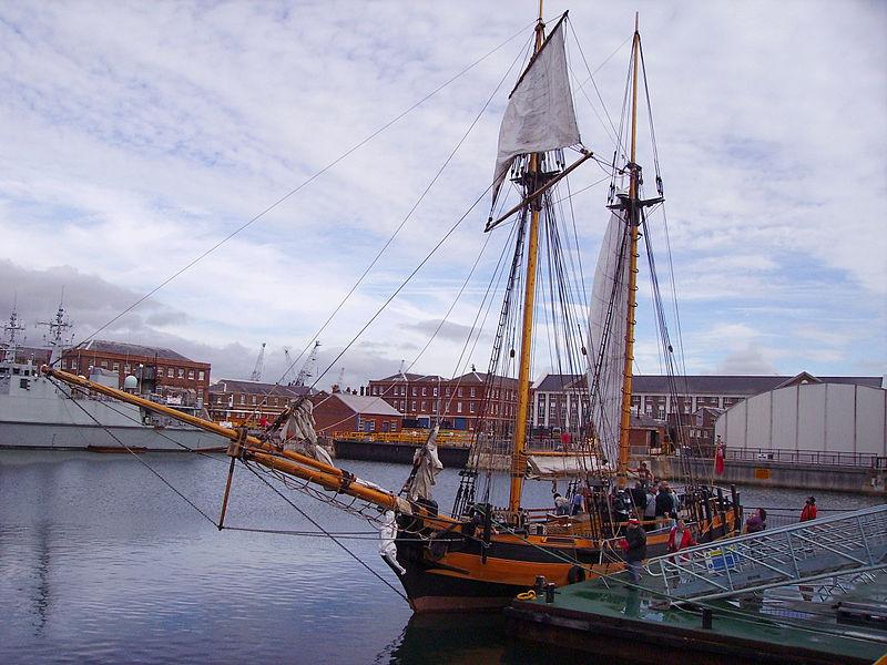 800px-HMSPicklereplica.jpg