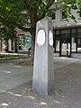 Halensee Henriettenplatz Gedenkstele-003.jpg