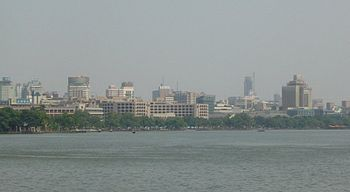 Hangzhou from across West Lake.jpg