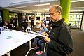 Hans Muller, bestuurslid Wikimedia Nederland, bij de prijsuitreiking van het Geluid van Nederland.jpg