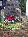 Hilana Taarka grave Obinitsa Estonia 02.jpg