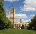 Houses of Parliament 2 (34206187182).jpg