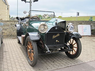 Hupmobile - 1913 Model 32 Touring Car