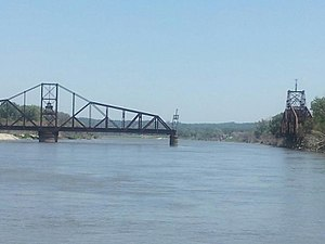 Illinois Central Missouri River Bridge.jpg