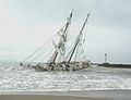Irving Johnson aground 2005(2).jpg