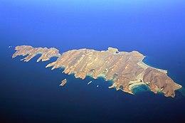 Isla Espíritu Santo and Isla Partida (5378264191).jpg