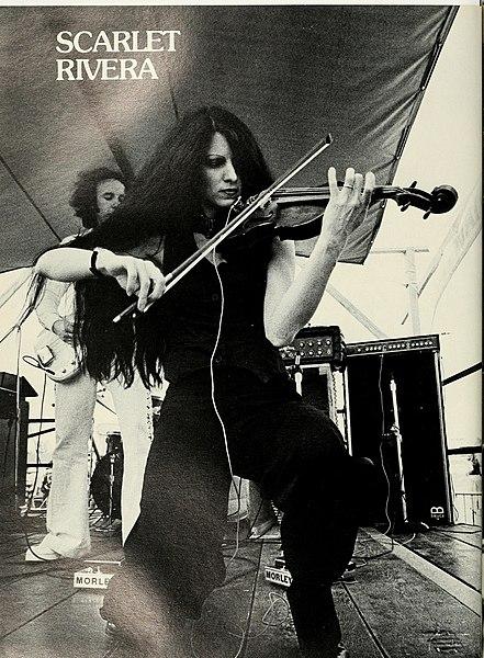 https://upload.wikimedia.org/wikipedia/commons/thumb/4/4a/Jambalaya_1976_Scarlet_Rivera.jpg/441px-Jambalaya_1976_Scarlet_Rivera.jpg