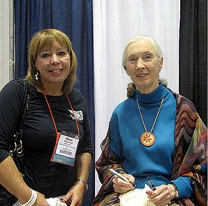 Jane Goodall - Goodall with Allyson Reed of Skulls Unlimited International, at the Association of Zoos and Aquariums annual conference, 9, 2009.