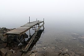 Jetty in fog at Holländaröd 1.jpg