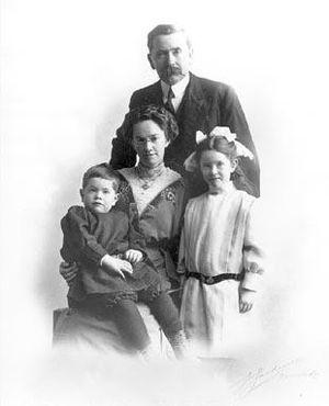 John Robert Boyle - Boyle and his family