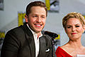 Josh Dallas & Jennifer Morrison (14775832588).jpg