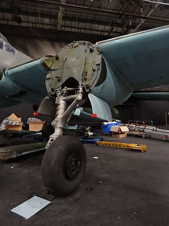 Junkers Ju 88 - Standard Ju 88 main landing gear installation, from the V6 prototype onwards.