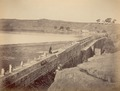 KITLV 100103 - Unknown - Dam (bund) at Katriz at Poona in India - Around 1875.tif