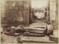 KITLV 40178 - Kassian Céphas - The toppled sculpture of Shiva in the eastern chapel of the Shiva temple of Prambanan Tjandi - 1889-1890.tif