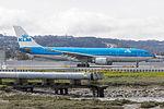 KLM Airbus A330-203 PH-AOM (16240776003).jpg