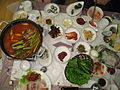 Korean cuisine-Maeuntang and samhap.jpg