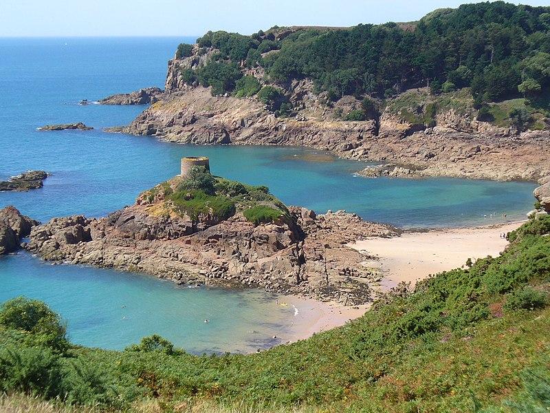 File:L'Île au Guerdain Jersey.JPG