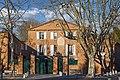 Labège - La place Saint-Barthélemy - maison de maître.jpg