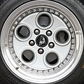 Lamborghini Diablo wheel - Flickr - exfordy.jpg
