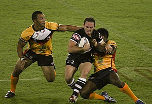 Rugby league - Image: Lance hohaia running into the defence (rugby league)