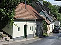 Langenzersdorfer Kellergasse 9-15.jpg