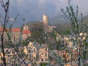 Levanto, Liguria - Image: Levanto walls