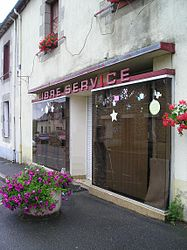 Self-service shop in Le Cambout