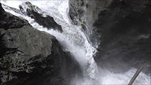 Datei:Liechtensteinklamm Gorge in Austria with a Waterfall and Rainbow.webm