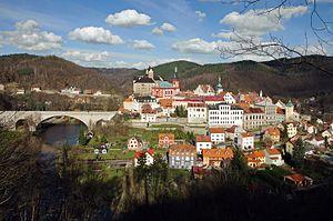 Loket (Sokolov District) - Image: Loket město s hradem (3)