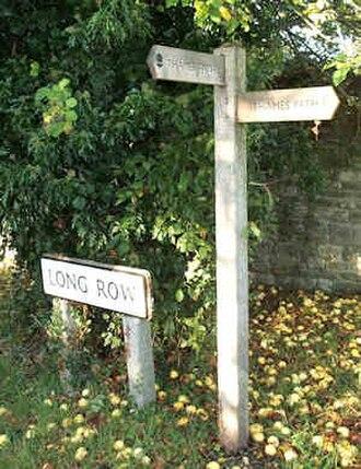 Castle Eaton - Image: Long row finger post