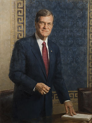 Trent Lott - Lott's official Senate portrait