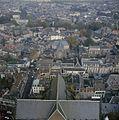 Luchtfoto naar het oosten met kerk en omgeving, vanaf de Domtoren - Utrecht - 20382555 - RCE.jpg