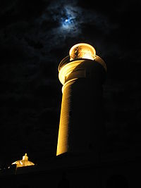 Macquarie lighthouse at Midnight at Full Moon.jpg