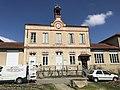 Mairie de Beynost (Ain, France) en mars 2018.jpg