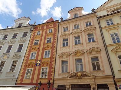 Malé náměstí-domy.JPG