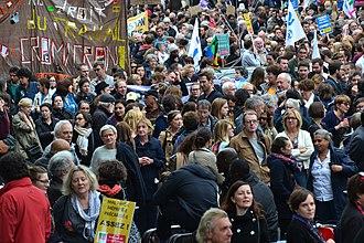 Protests against Emmanuel Macron - Image: Mal payé e, méprisé e, précarisé e, Assez ! (36910422944)