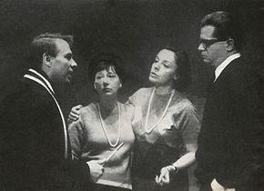 In palcoscenico per Maria Stuarda con Giorgio Albertazzi, Lilla Brignone, Anna Proclemer, Luigi Squarzina regista (1964)