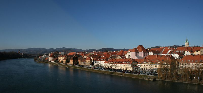 File:Maribor small panorama 20070107.jpg