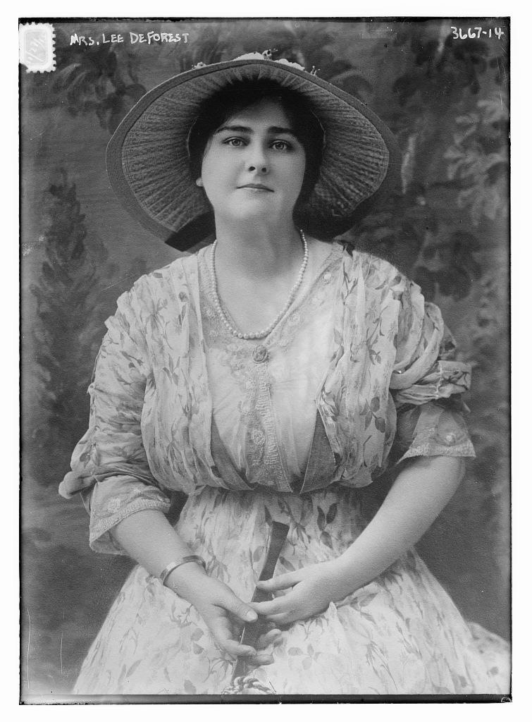 Mary Mayo (1892-1957) who married Lee DeForest