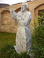 Mautern Pfarrkirche Statue Severin.jpg