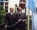 Menem inaugura residencia del embajador argentino en Berlín.jpg