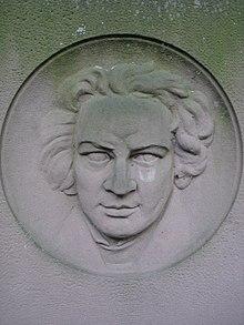 Menzels Porträt auf seinem Grabstein (Quelle: Wikimedia)