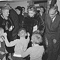 Mevrouw Kennedy bezoekt Burgerweeshuis te Amsterdam, Bestanddeelnr 913-5645.jpg