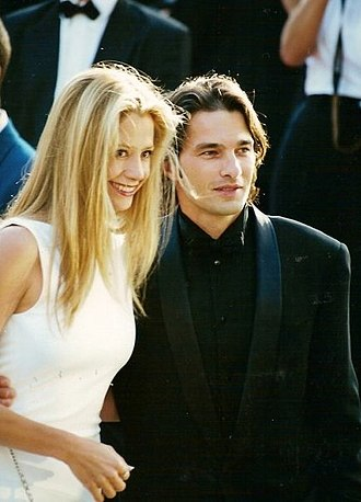 Olivier Martinez - Martinez at the 2000 Cannes Film Festival with Mira Sorvino