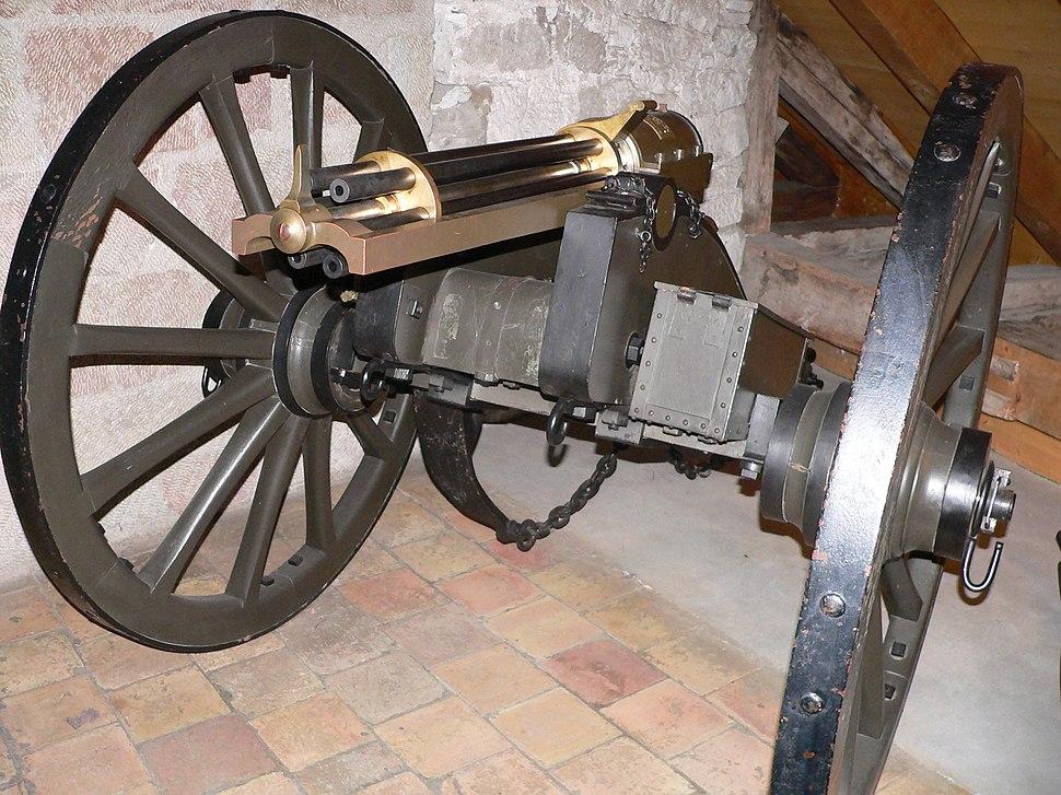 Mitrailleuse-gatling-p1000591