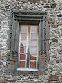 Montaigut-le-Blanc (63) fenêtre.JPG